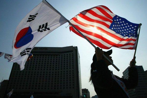 Южная Корея: Вашингтону не предлагалось вывозить ядерное оружие из КНДР