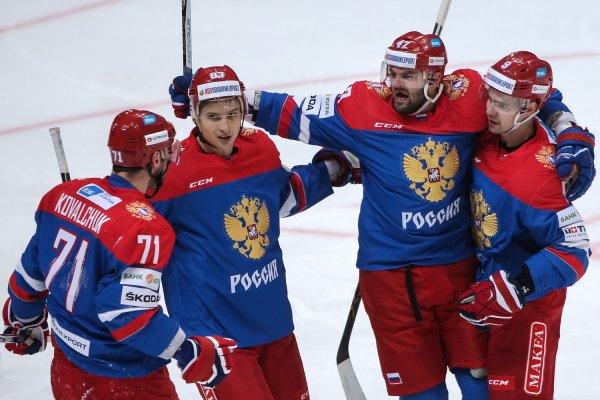 Расстроенные российские хоккеисты забыли сумку в отеле Дании