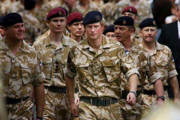 Вся жизнь в форме: Принц Гарри рассказал о своем военном прошлом