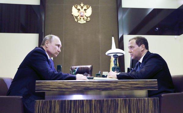 Медведев отметил переназначение в ресторане Сочи