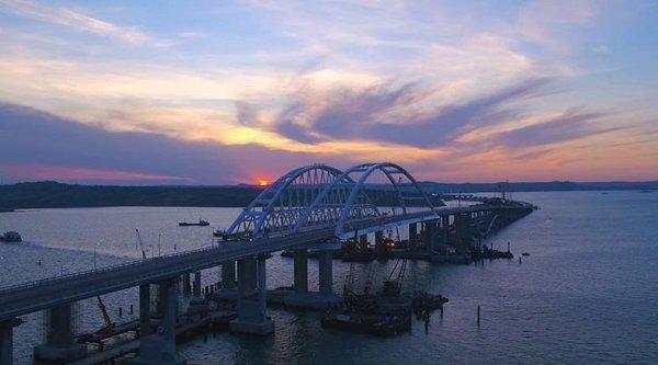 Новый рекорд: Количество автомобилей на Крымском мосту зашкаливает