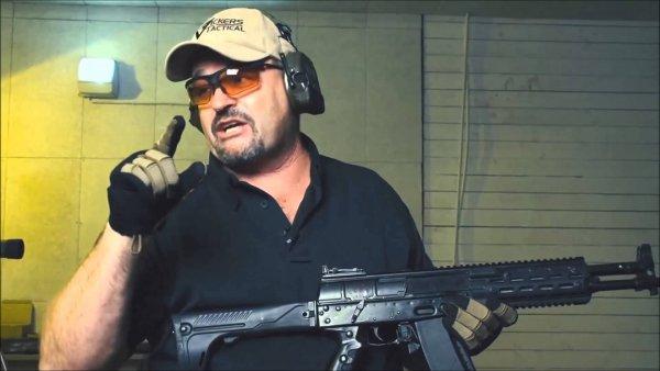 Ветеран спецназа США обалдел от русского автомата АК-12