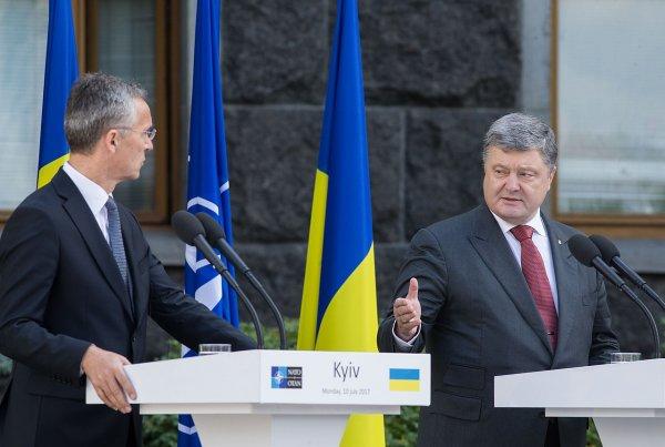 Депутат Рады назвал мародёрами Порошенко и его окружение