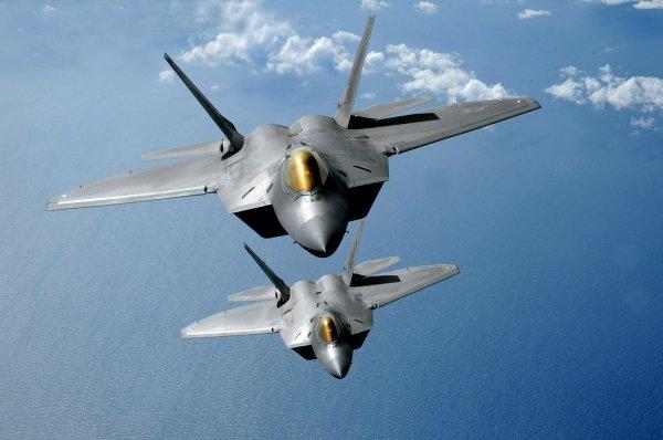 СМИ: Американские F-22 потеряли свое главное преимущество перед российскими самолетами
