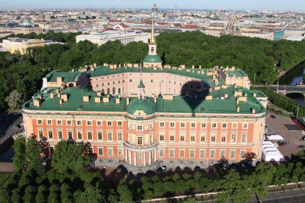 Мединский рассказал о восстановлении Михайловского замка