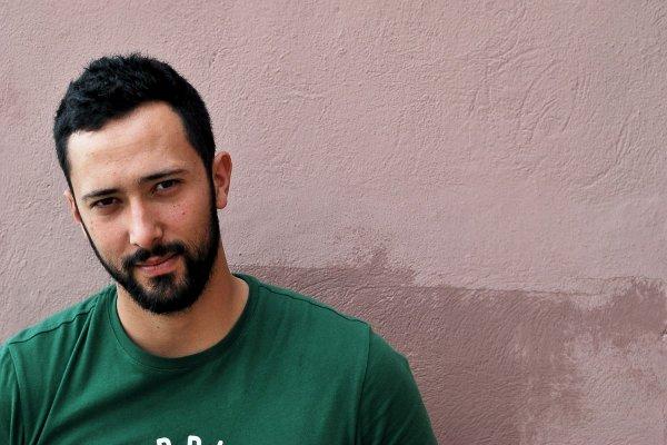 Испания объявила в международный розыск рэпера, осужденного за песни