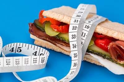 Диетологи назвали главные правила для похудения
