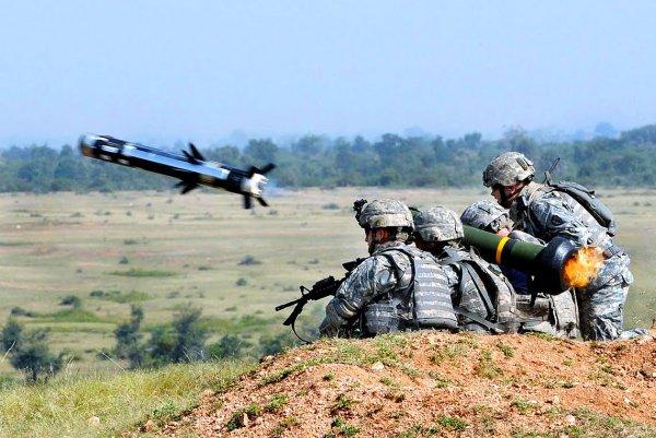 Украинцы требуют от Порошенко разместить американские ракеты на крымской границе