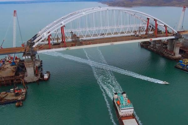 «Это Дорога жизни»: Сергей Аксенов возвеличил Крымский мост