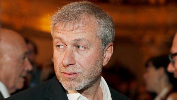 Роман Абрамович пришел на спектакль Псковского театра Юлии Пересильд