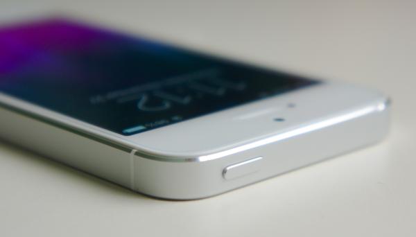 Apple специально выпустила iPhone 6 в продажу с бракованным корпусом