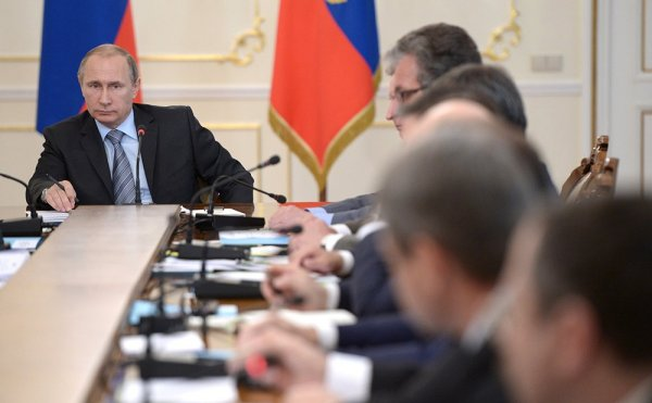 Путин заявил о большой задаче перед Кабмином