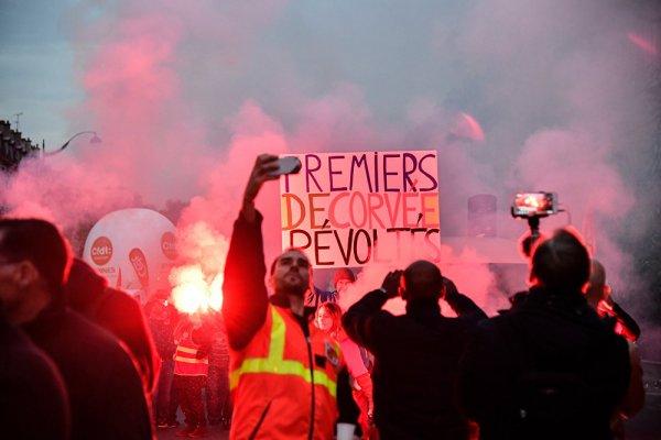 В Париже задержаны 24 участника митинга против Макрона