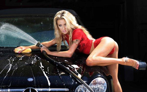 Страстное видео с  автомойки  заставило вспотеть мужчин Приморья