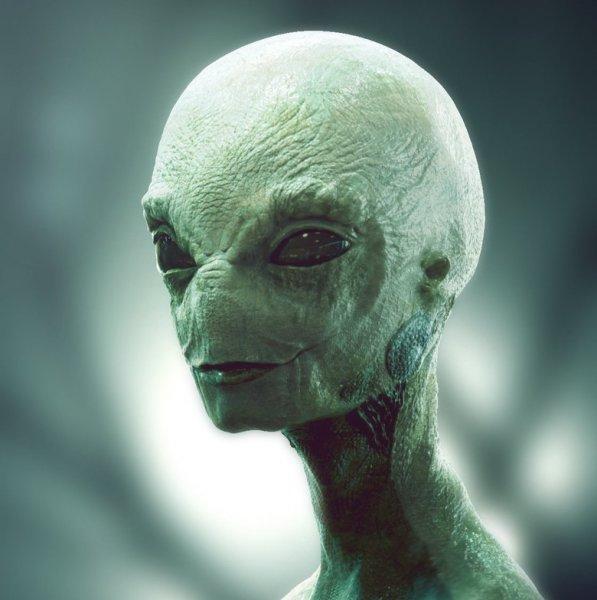 Призрак или НЛО?: Камера ночного наблюдения зафиксировала мистическое явление
