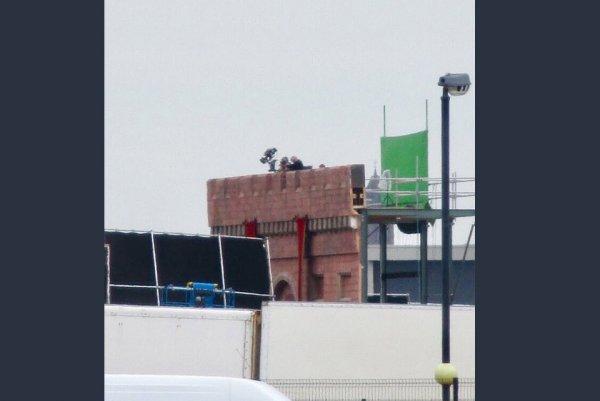 В сеть «слили» важные фото со съемок финального сезона «Игры престолов»