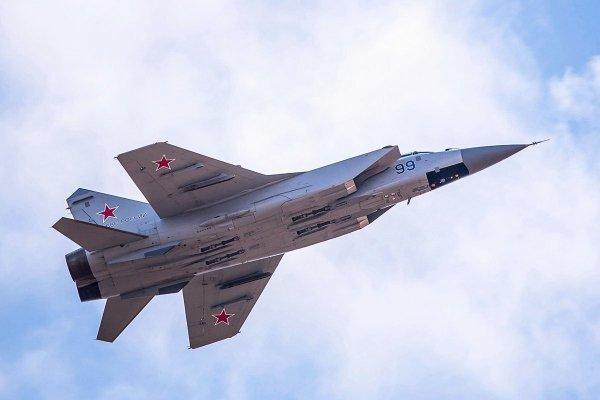 Перехват МиГ-31БМ условного противника попал на видео