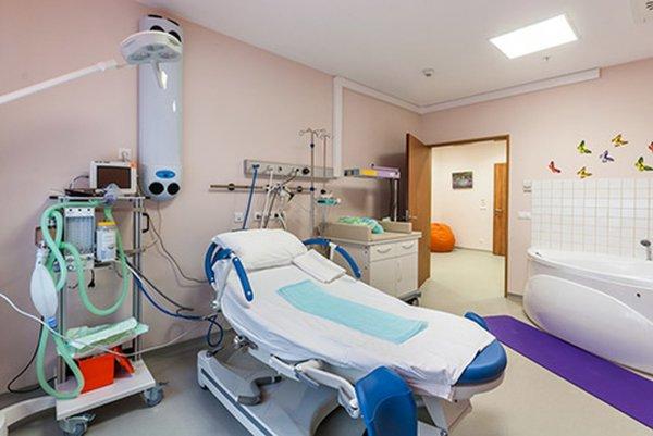 Алла Пугачева посетила клинику, где родились Гарри и Лиза