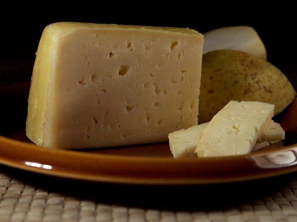 Росконтроль перечислил самые опасные марки сыра