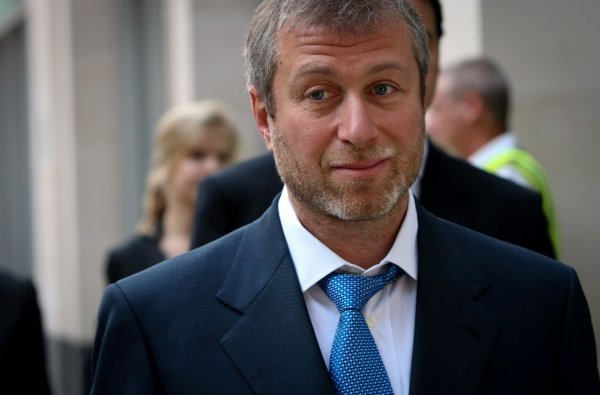 СМИ: Роман Абрамович отказался от британской визы