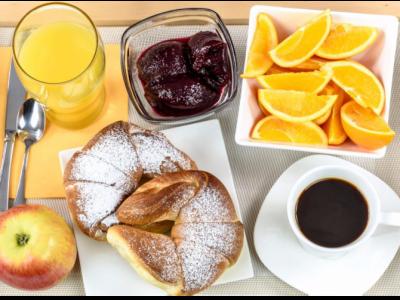 Врачи не рекомендуют есть эти продукты на голодный желудок