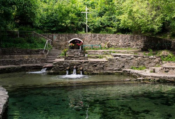 Роспотребнадзор запретил пить воду из трех родников в Ростове
