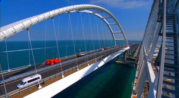 За 16 дней по Крымскому мосту проехали 200 тыс автомобилей