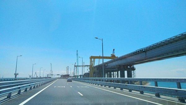 Это вам за Крымский мост: Порошенко объявил о строительстве моста через Дунай