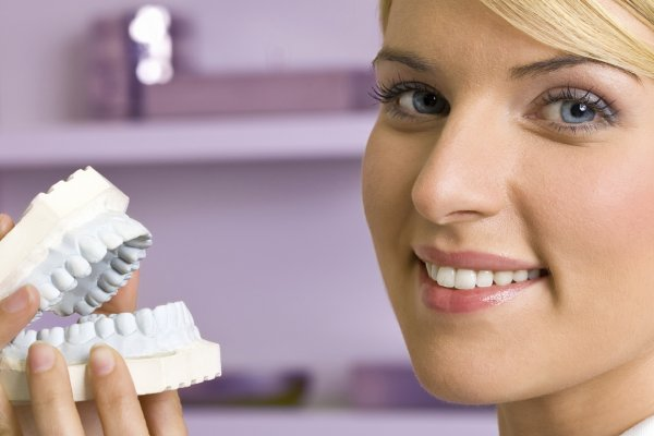 Ученые создали материал, который способен восстанавливать зубную эмаль
