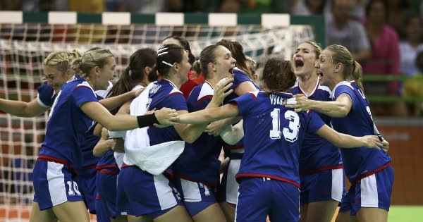 Женская сборная России обыграла Австрию и пробилась на Евро-2018