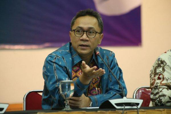 Глава парламента Индонезии признался, что заучил походку Путина