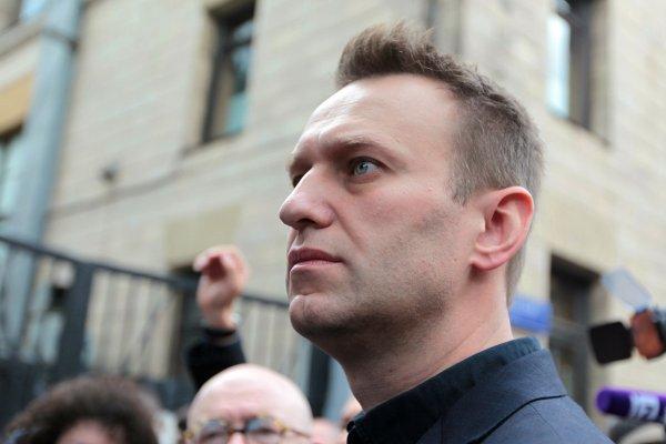 Алексей Навальный провел день рождения в полиции