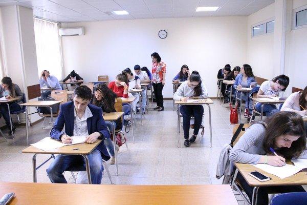 Школьнице пришлось снять нижнее бельё, чтобы попасть на ЕГЭ в Татарстане