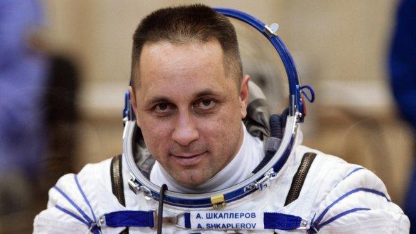 Космонавт Антон Шкаплеров рад, что Крымский мост открыли раньше срока