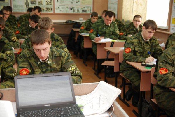 Кабмин внес на рассмотрение законопроект об отмене военных кафедр в вузах
