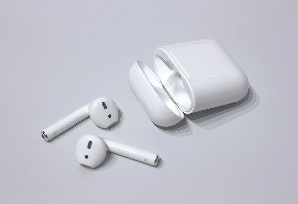 Apple AirPods получат уникальную функцию для людей с плохим слухом в iOS 12