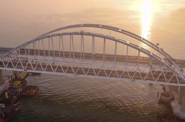 В Совфеде отозвались об идее Ефремова отдать Крымский мост Украине