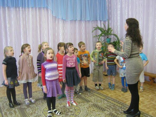 В ХМАО проверят детский сад, где дети пели песню про «дядю Вову»