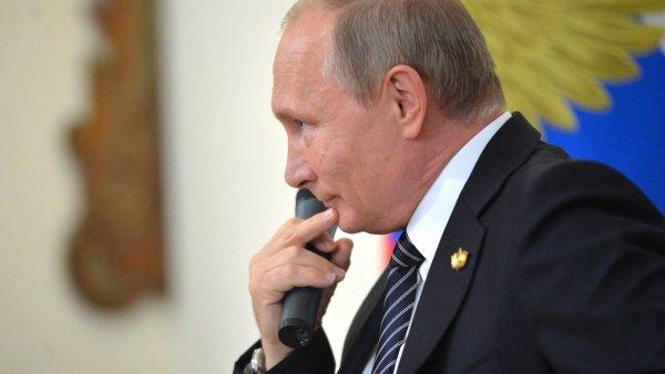 Сестра Сенцова призвала Путина освободить брата и стать «супергероем»