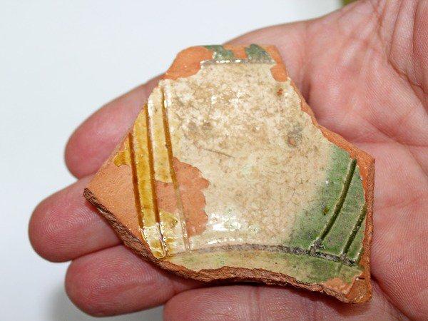 В Ростовской области археологи нашли фрагмент старинной венецианской чаши