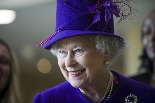 92-летняя королева Елизавета II восхитила внешним видом в Лондоне