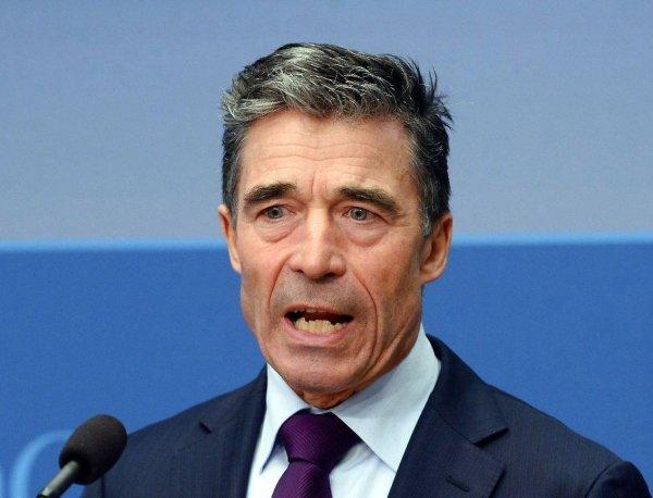 Экс-генсек НАТО: Украину планировали включить в состав альянса еще 10 лет назад