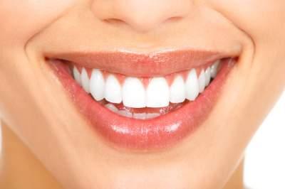 Стоматологи назвали главные ошибки, допускаемые при уходе за зубами