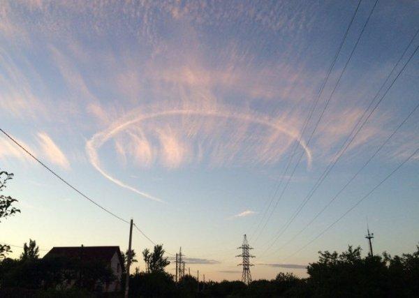 Жители Курска испугались таинственного нимба в небе