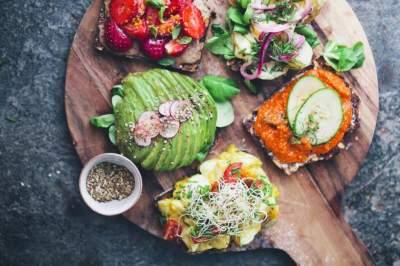 Диетологи поделились рецептами полезных перекусов