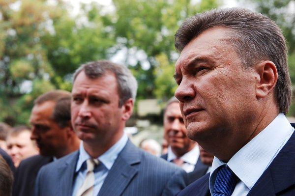 «Сжечь заживо»: Свидетель рассказал о попытках радикалов убить Януковича