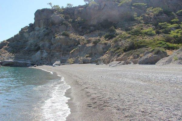 Эксперты: Купание на диких пляжах грозит смертельной опасностью