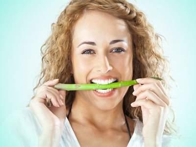 Стоматологи предупреждают: эти овощи портят зубы