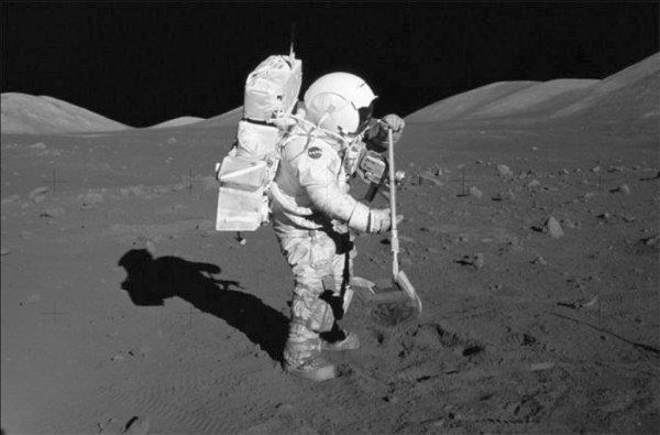 В США женщина намерена отсудить у NASA лунную пыль