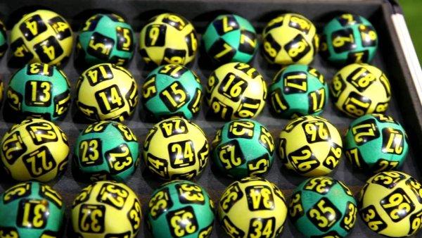 Настойчивость взяла свое: Американец 18 лет использовал в лотерее одни и те же числа и выиграл
